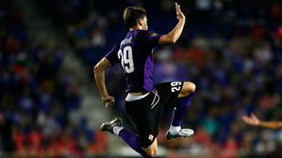 Vlahovic celebra un gol con la Fiorentina