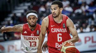 Cory Joseph jugando con la Selección de Canadá