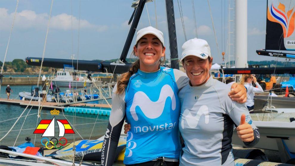 Támara Echegoyen y Paula Barceló en Enoshima.