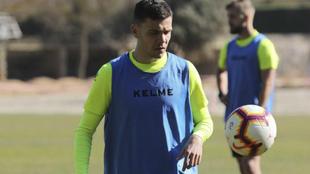 Gallar en un entrenamiento con el Huesca.