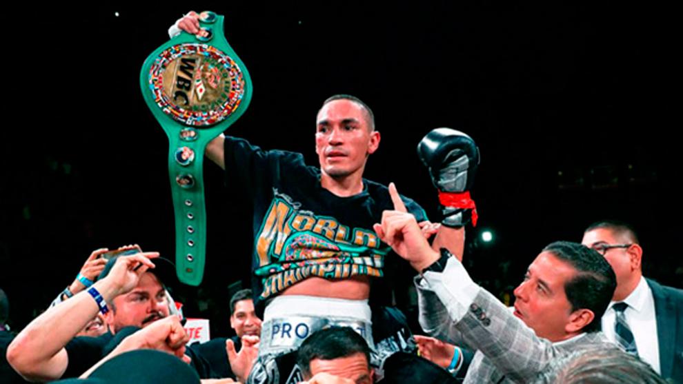Estrada, campeón mundial de peso supermosca