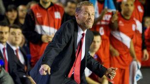Ché García, durante su etapa como entrenador del Fuenlabrada.