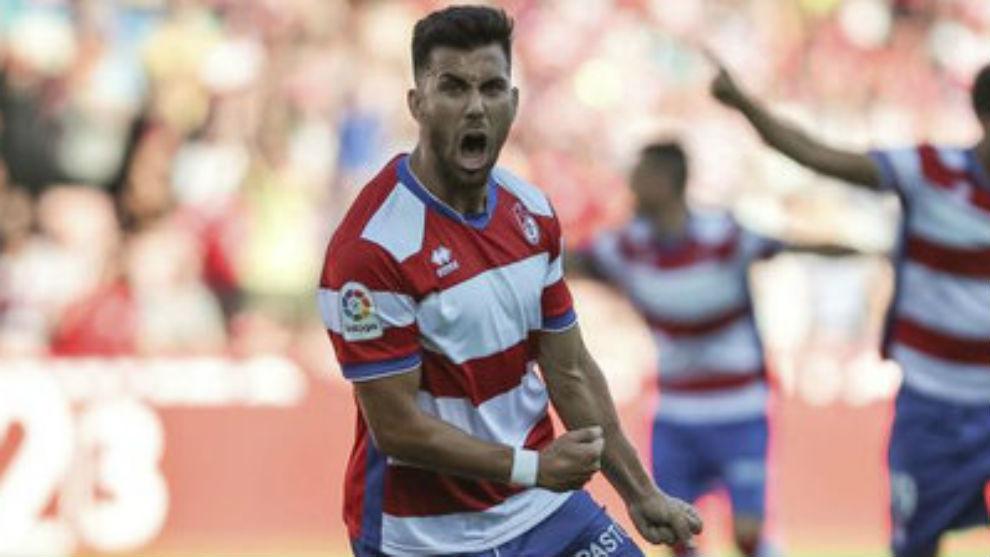 Fede Vico (25) celebra un gol con el Granada.