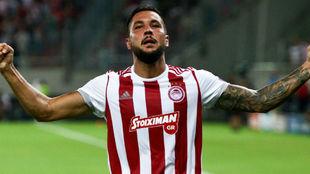 Miguel Ángel Guerrero (29) celebra su gol.