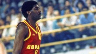 Chicho Sibilio jugando un partido con la Selección Española
