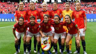 Once inicial de España en un partido del Mundial de Francia.