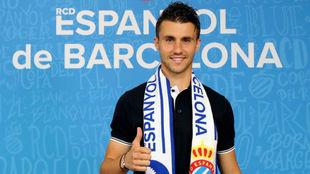 Corchia posa a su llegada a Barcelona.