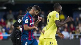 Rober Pier, durante un partido contra el Villarreal de la pasada...