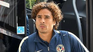 Guillermo Ochoa será titular