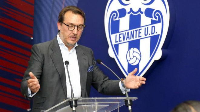 Quico Catalán, durante una presentación con el Levante.