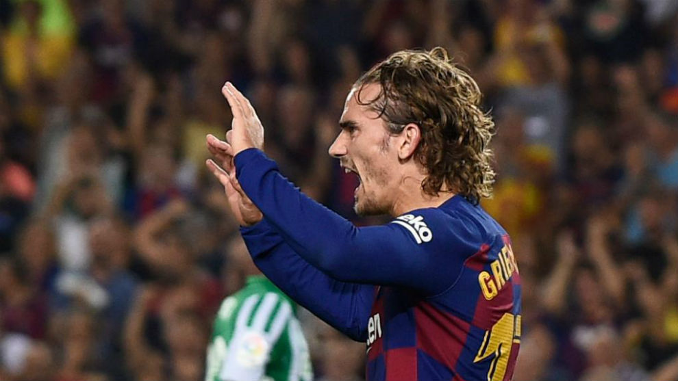 Antoine Griezmann celebrating one of his goals against Real Betis.