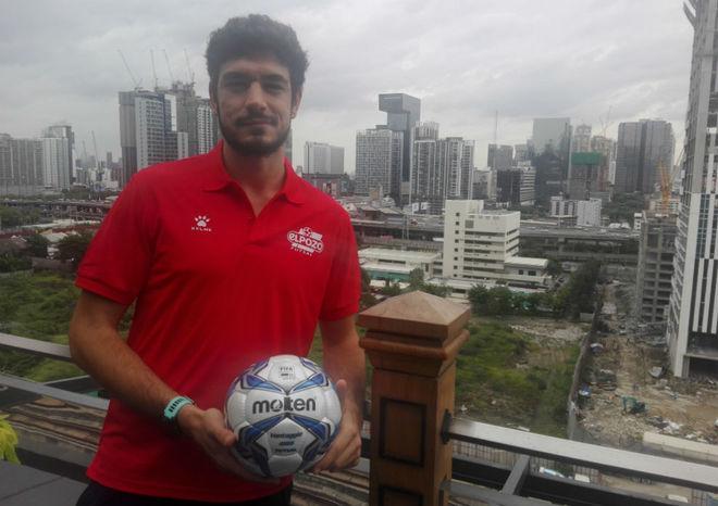 Marc Tolrá posa en Bangkok, donde se está disputando la Copa...