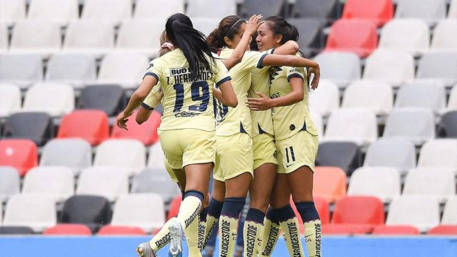 La Águilas celebrando el gol
