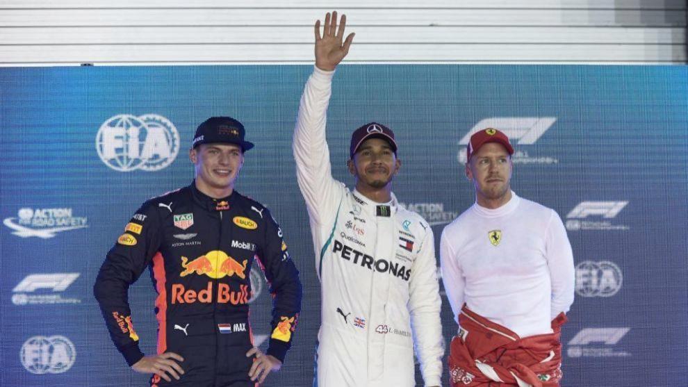 Verstappen, Hamilton y Vettel, en el podio de Marina Bay.