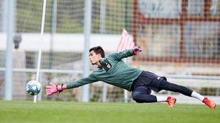 Oleaga, durante un entrenamiento con el Athletic esta pretemporada.