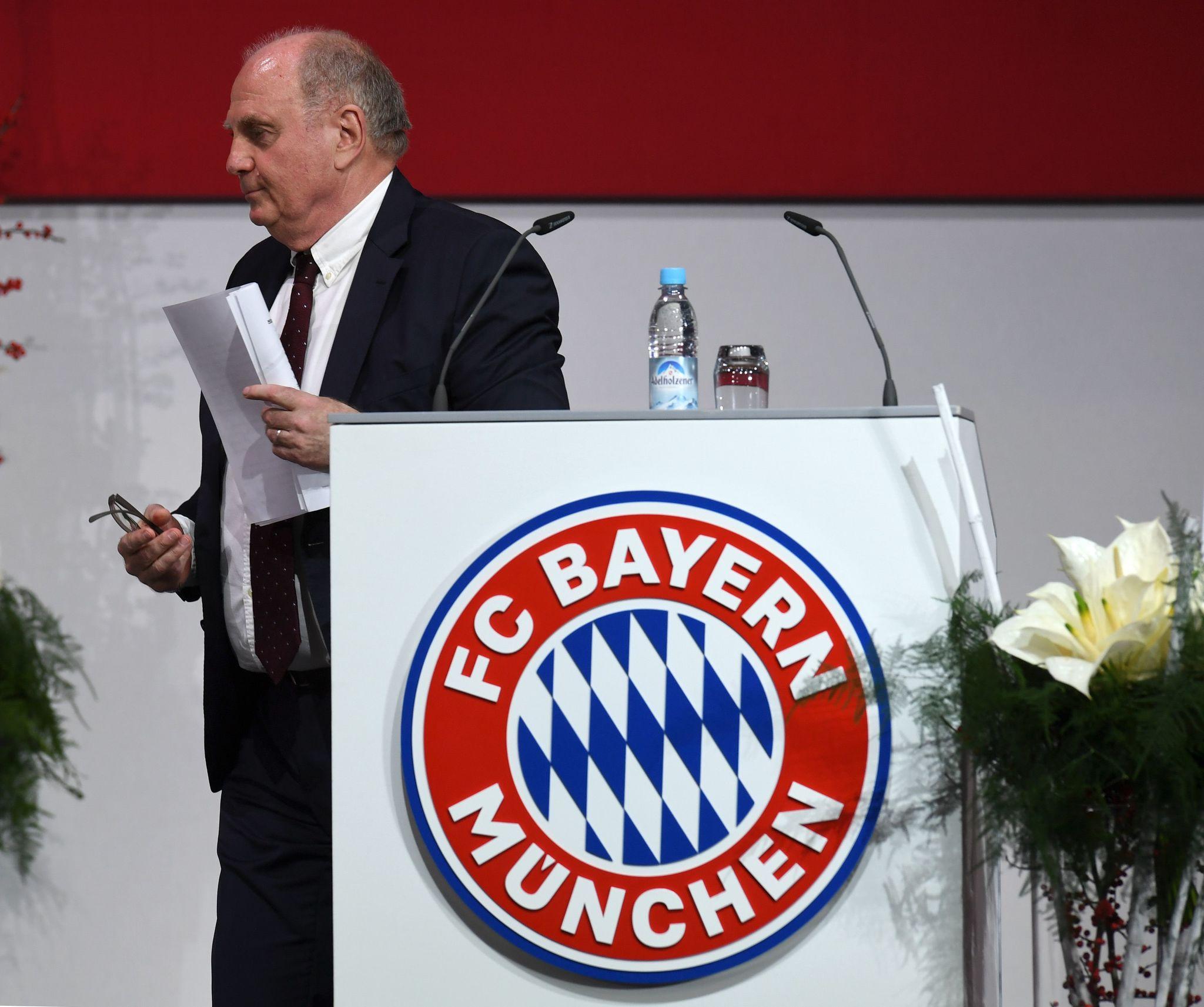 Uli Hoeness, en la última Junta General Anual del Bayern, en...