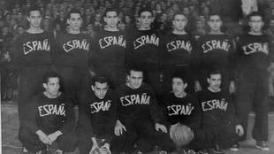 La seleccion española de baloncesto que jugó ante Francia en 1949