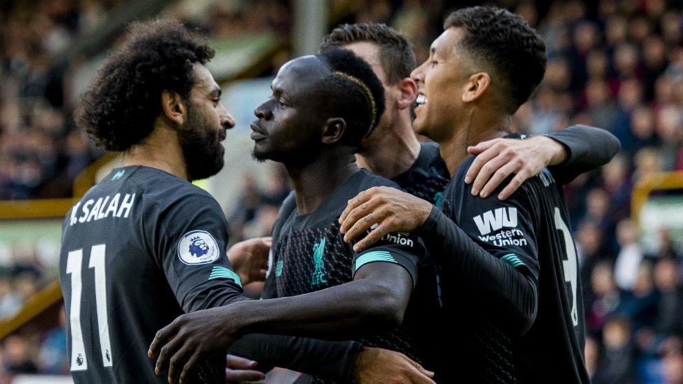 Los jugadores del Liverpool celebran el gol de Sadio Mané (27).