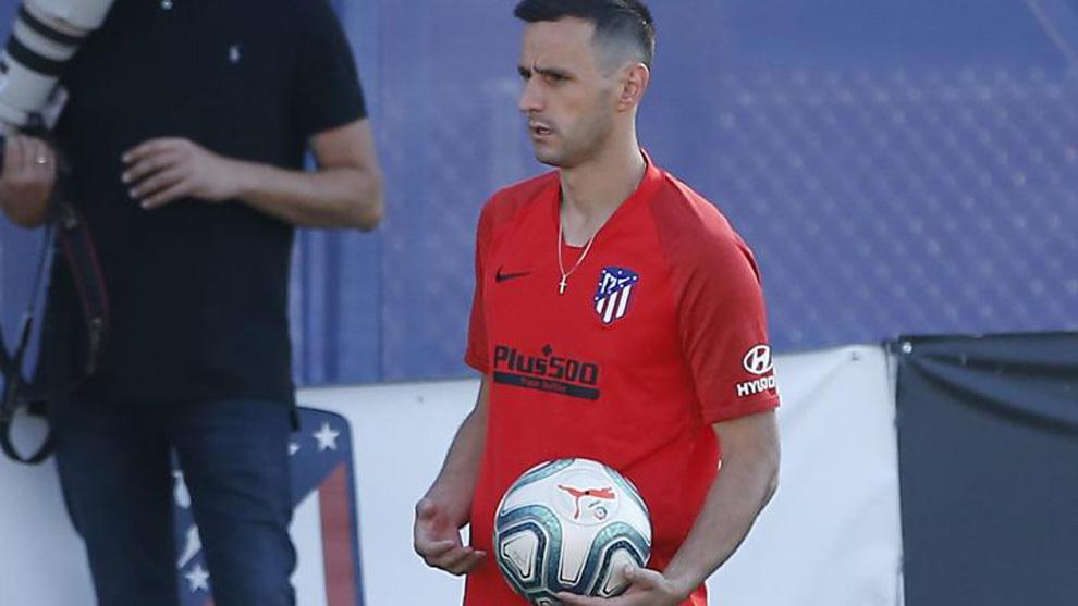 Kalinic durante un entrenamiento del Atlético.