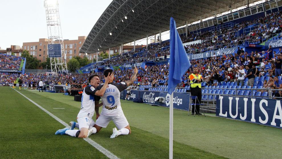 Joselu celebra el gol del empate.