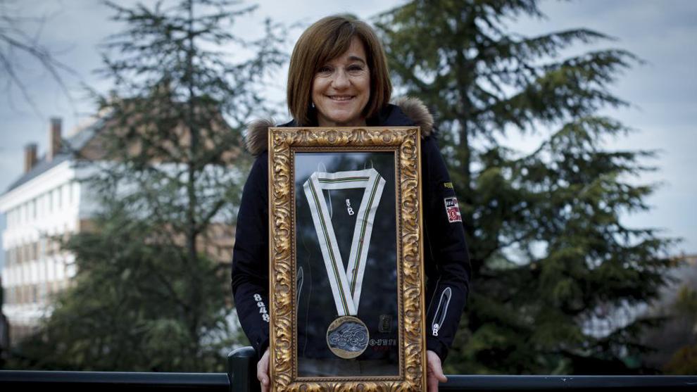 Blanca Fernandez Ochoa con la medalla ganada en Albertville?92