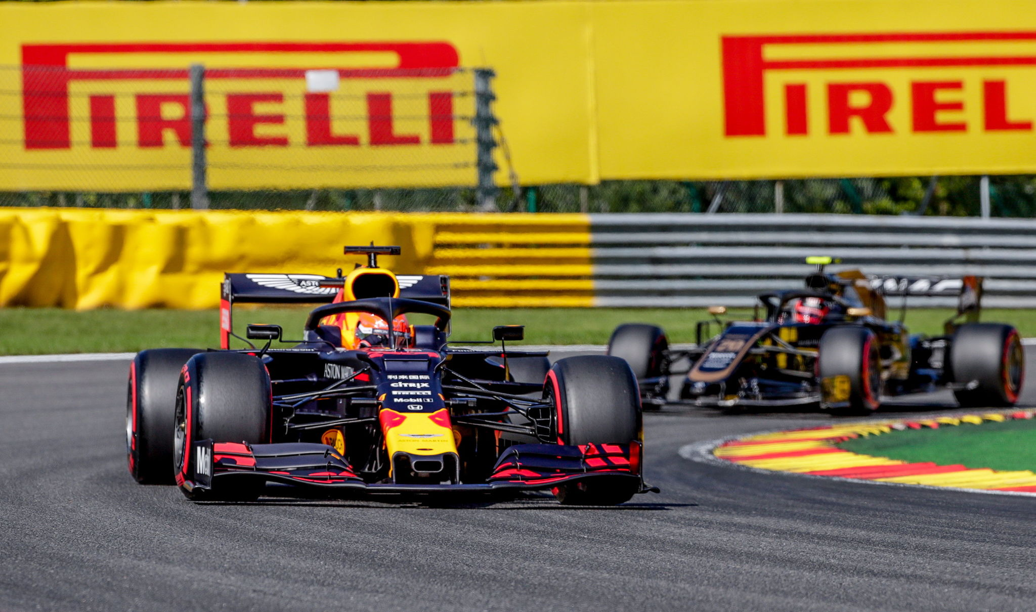 Max Verstappen of Aston Martin Red Bull Racing durante la...