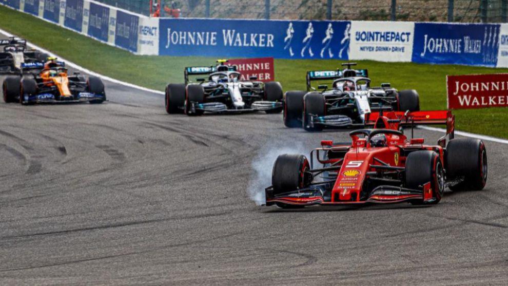 Vettel, por delante de Hamilton y Bottas.