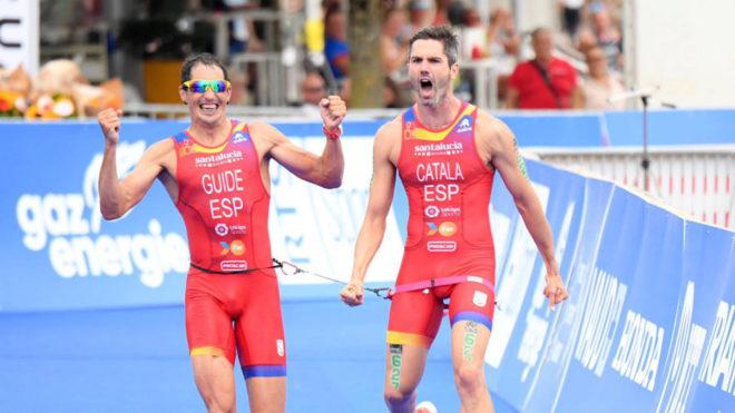Héctor Catalá y Gustavo Rodríguez celebran su victoria.