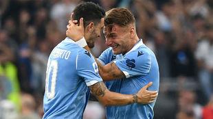 Luis Alberto (26) y Ciro Immobile (29) celebran el gol del español.