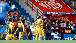 Jugadores del Alcorcón celebrando uno de los goles