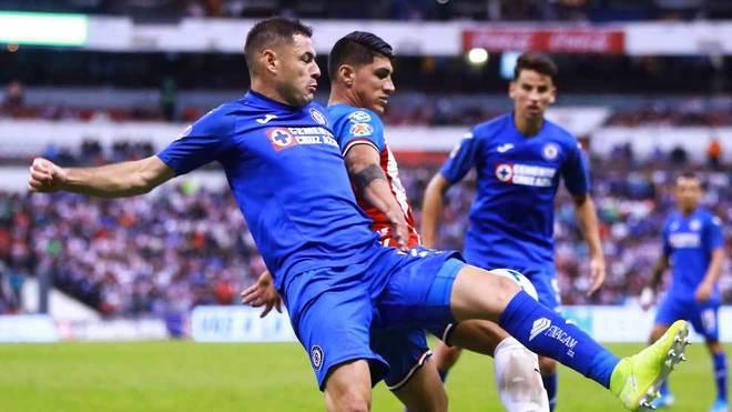 Aguilar, en acción ante las Chivas este fin de semana.