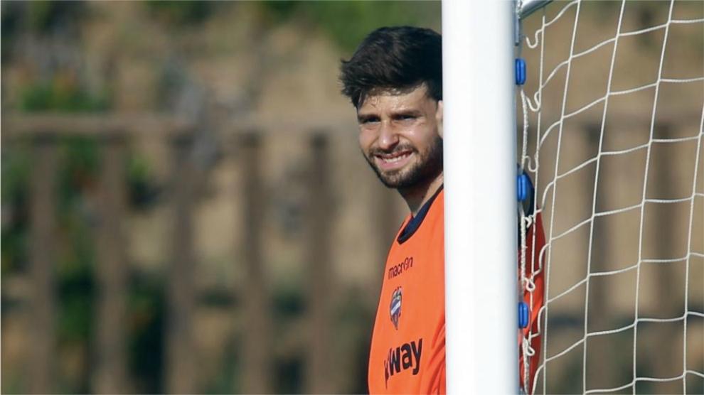 Prcic, en un entrenamiento con el Levante.