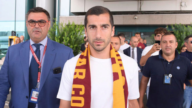 Mkhitaryan, a su llegada a Roma.