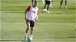 Kalinic durante un entrenamiento con el Atlético