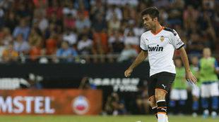 Salva Ruiz durante un amistoso del Valencia.