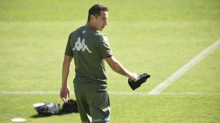 Andrés Guardado, durante una sesión preparatoria del Real Betis.