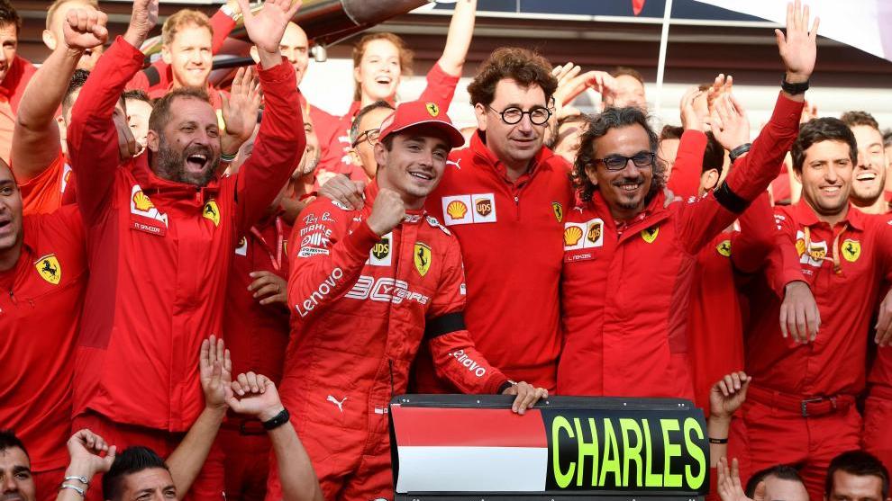 Ferrari celebra la victoria de Leclerc en Spa.