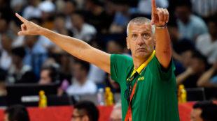 Alexandar Petrovic en el partido ante Grecia