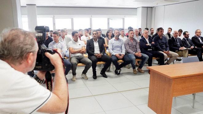 Los imputados en el banquillo de la sala 7 de lo penal de Valencia.