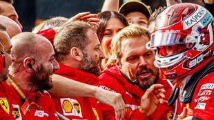 Ferrari celebra con Leclerc la victoria en Spa.