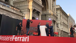 La firma en Milán.
