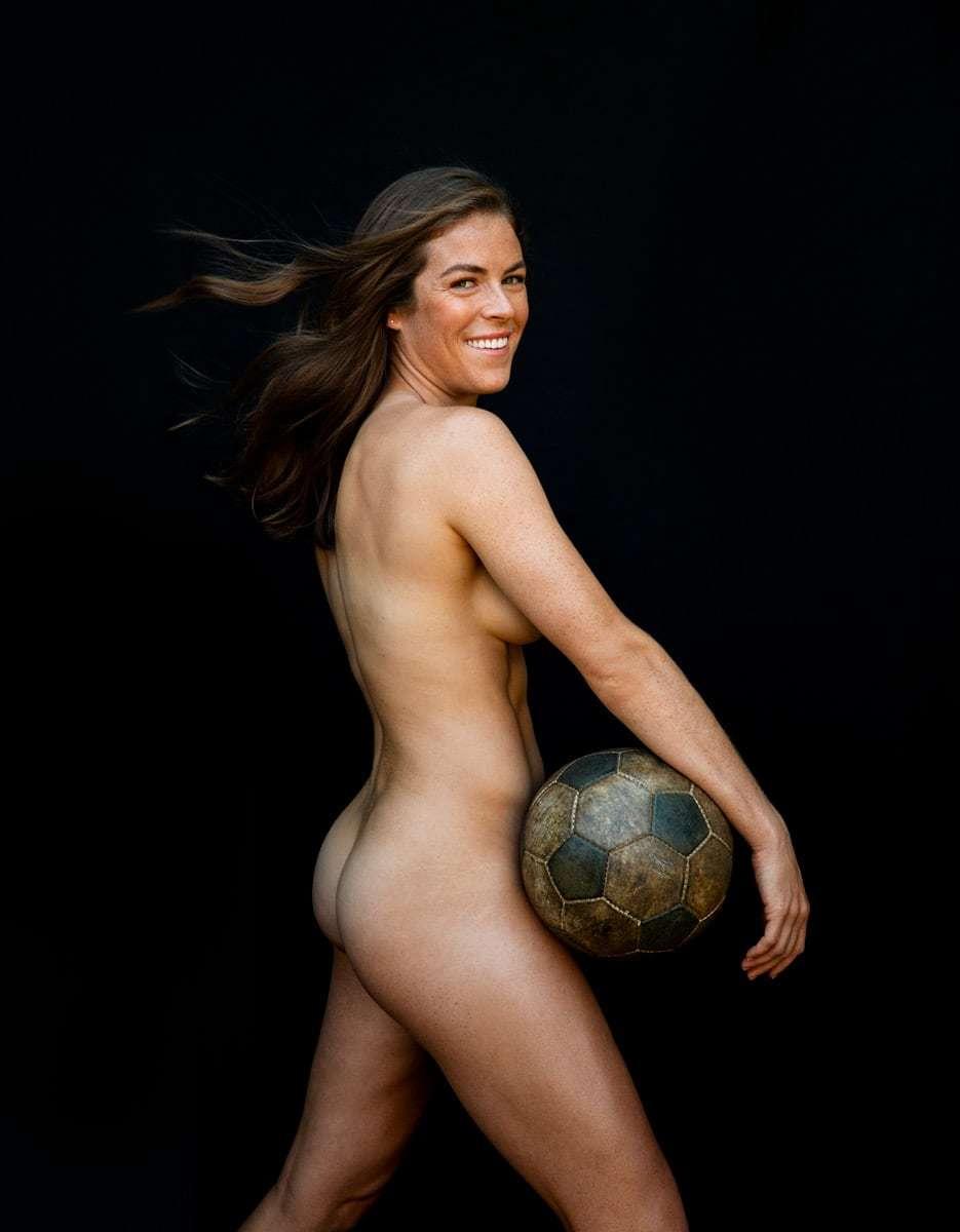 El desnudo integral de la futbolista Kelley O'Hara para el ESPN Body...