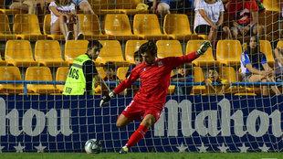El meta Ximo Miralles fue el jugador más destacado tras parar dos...