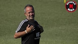 Álvaro Cervera, durante un entrenamiento reciente del Cádiz