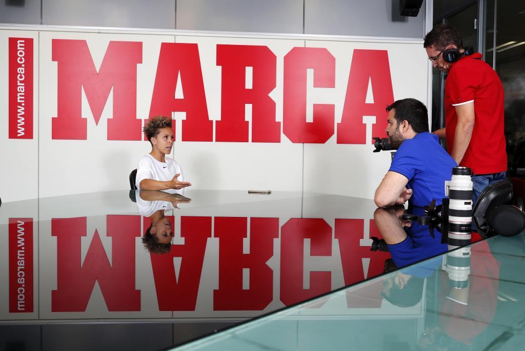 Amanda Sampedro, en su visita a la redacción de MARCA.