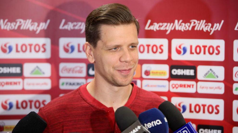 Wojciech Szczesny speaking to the media.