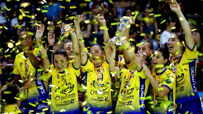 Las jugadoras del Remudas celebran la victoria en la pasada Supercopa...