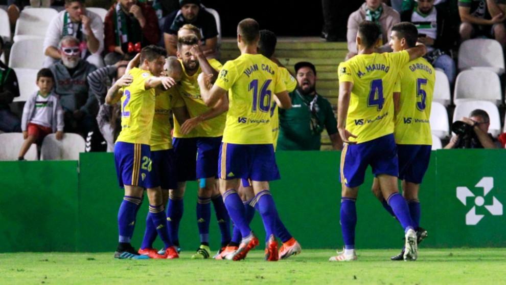 Jugadores del Cádiz celebrando uno de los goles