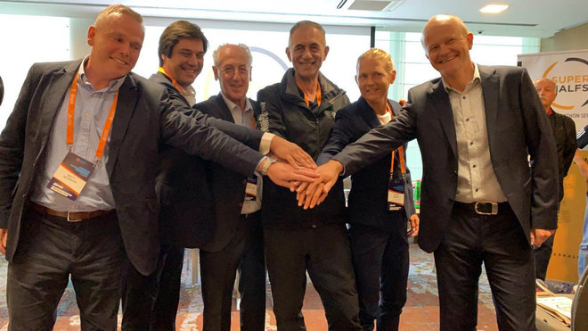 Representantes de los medios maratones integrantes de Superhalf