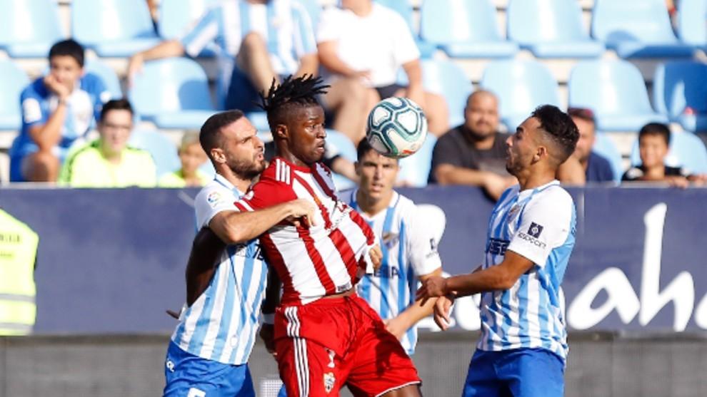 Sekou Gassama controlando el balón